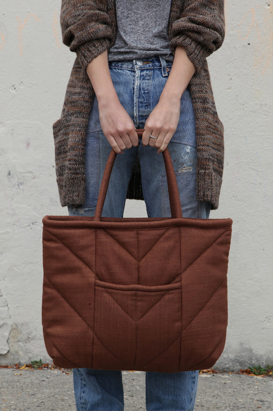electric feathers chevron tote bag in taupe